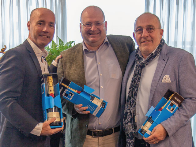 Bud Holland tekent koopovereenkomst voor nieuwbouw Poortcamp te De Lier